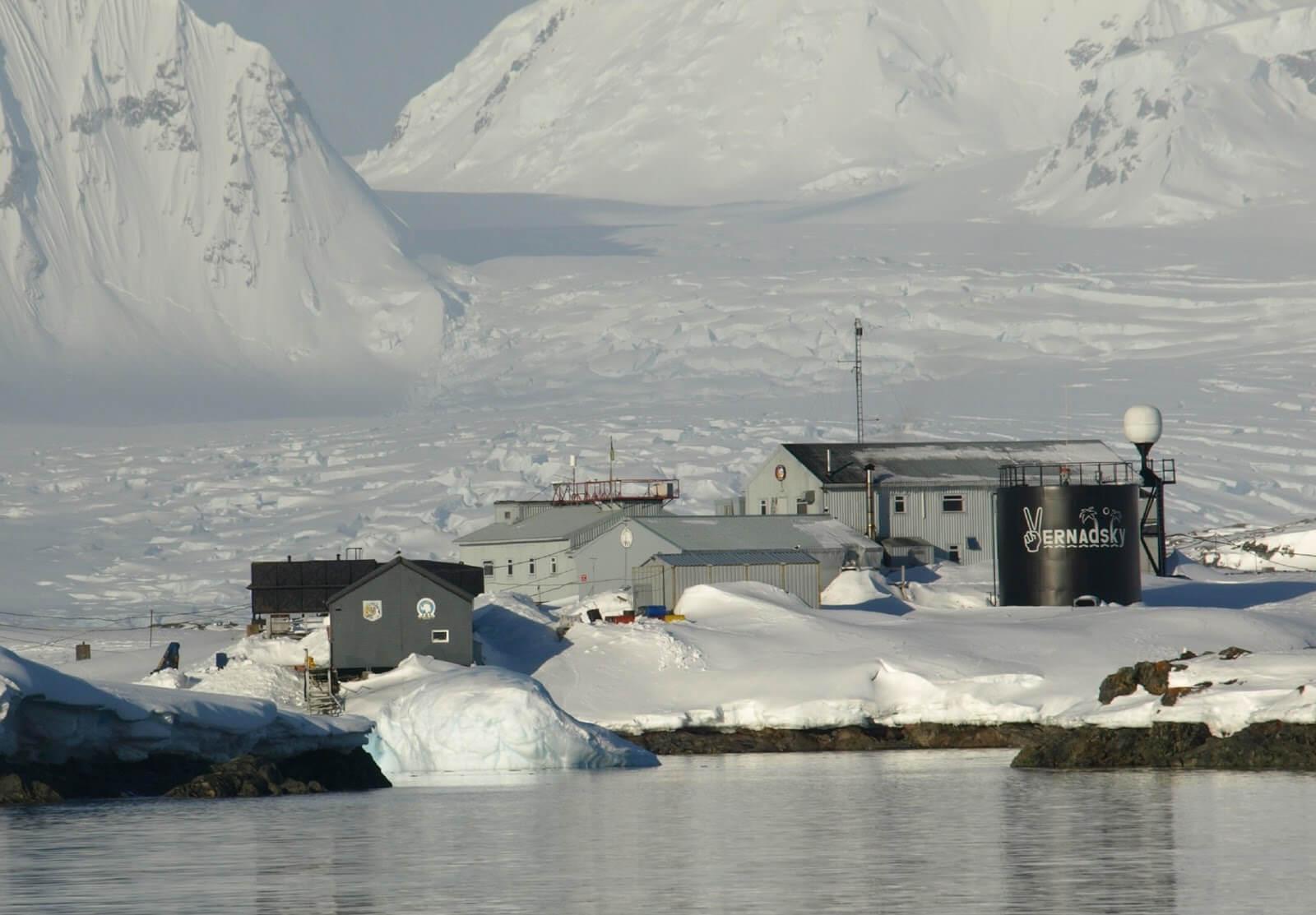 Работа в Антарктиде - какие там заработные платы