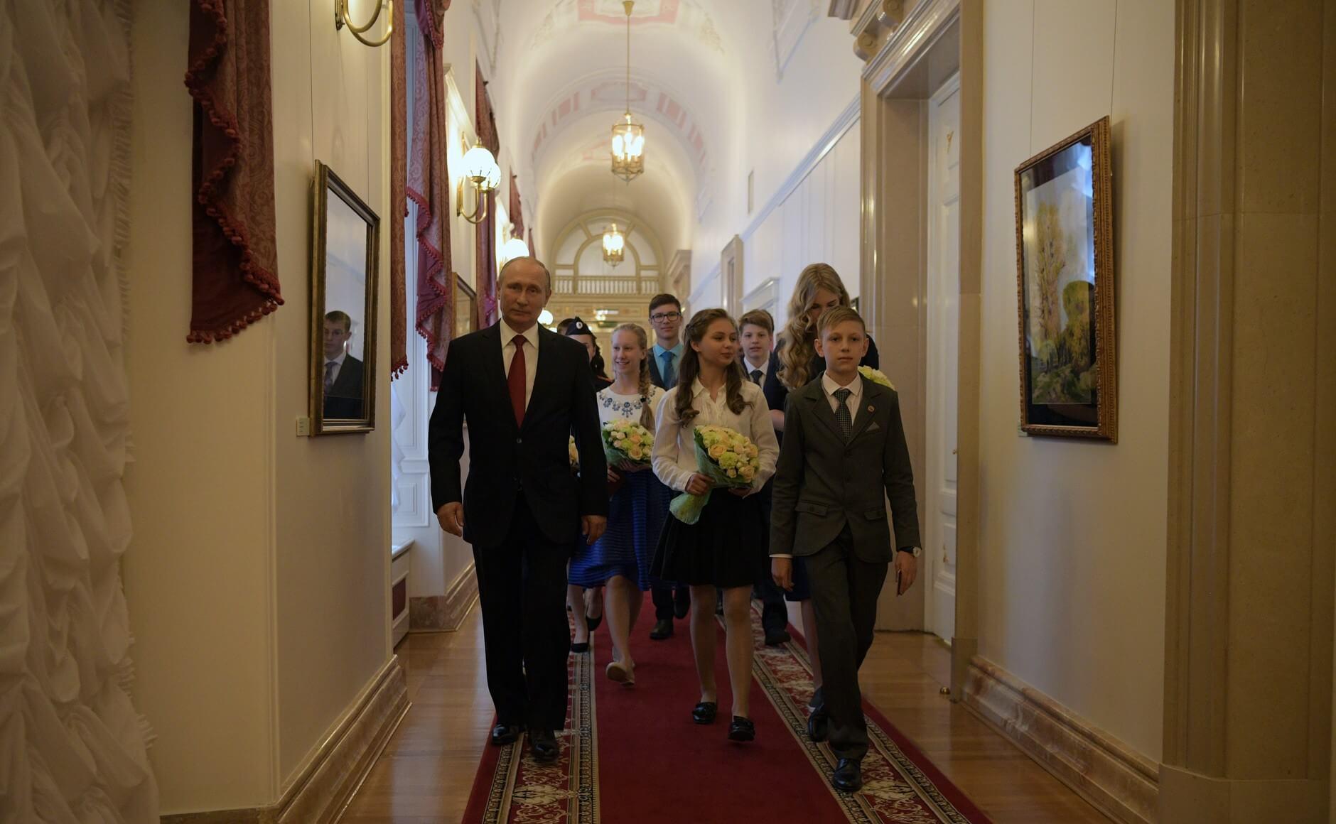 Владимир Путин поделился со школьниками правилами выбора будущей профессии
