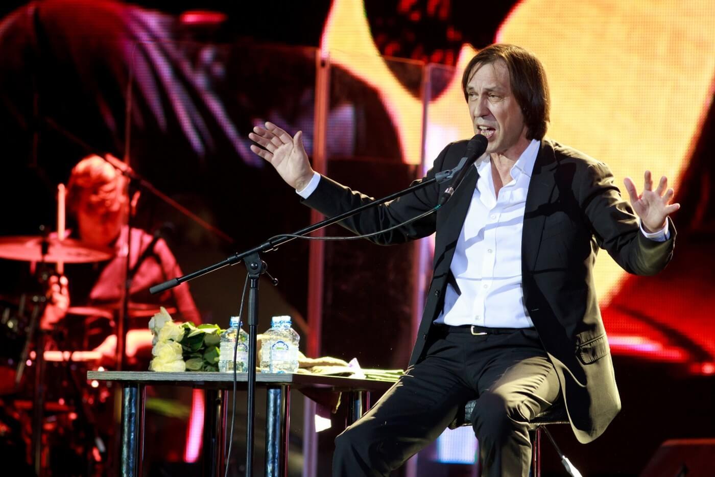 Николай Носков дал первый сольный концерт после инсульта