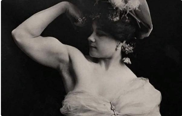Первые женщины-бодибилдеры - какие они? Фото XX столетия.