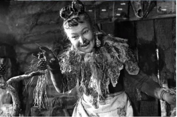 """""""Советская ведьма"""" была замужем за принцем. Все о великолепной Вере Алтайской"""