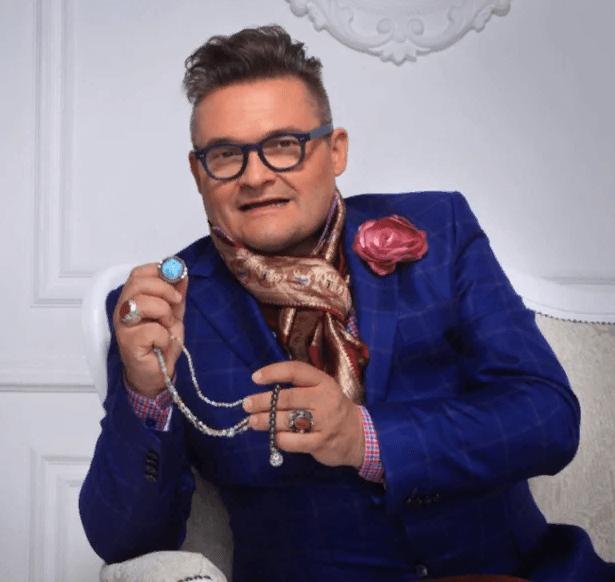 Самый модный человек страны - Александр Васильев и его автомобиль