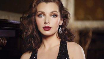 Красота бессмертна: российские актрисы, которые и после 45 выглядят божественно