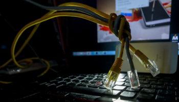 Минкомсвязи заявило о невозможности блокировки всего интернета в России