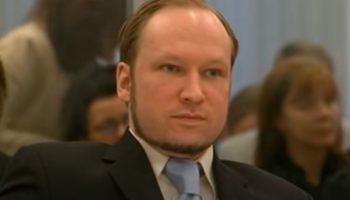 Андерс Брейвик, убийца 77 подростков, просит освободить его по УДО